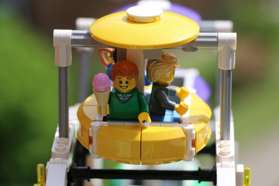Bis zu drei Minifiguren passen in eine Gondel. | © Andres Lehmann