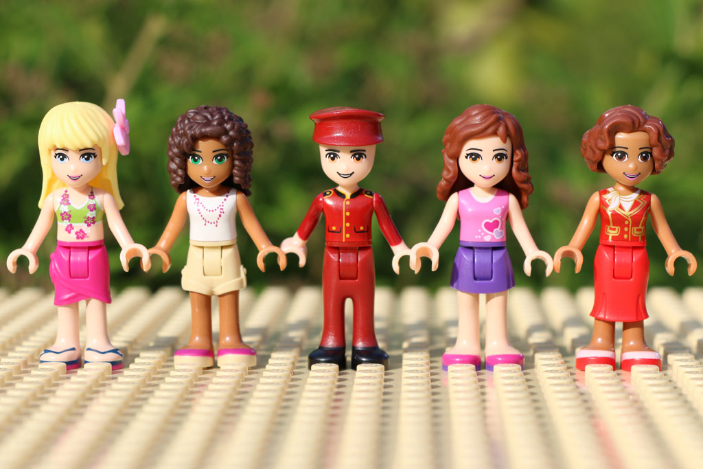 Fünf Figuren wurden dem Set beigegeben. | © Andres Lehmann