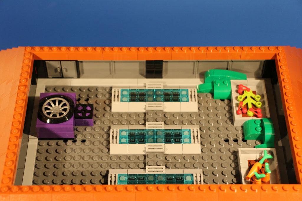 Selbst auf dem Dach finden sich Anleihen an die TV-Serie | © Andres Lehmann