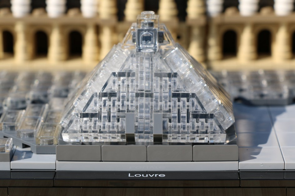 Lego Architecture Louvre Im Review: Ein Gesamtkunstwerk