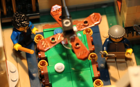 lego-creator-expert-detektivbuero-billardtisch-set-10246-2015-andres-lehmann zusammengebaut.com