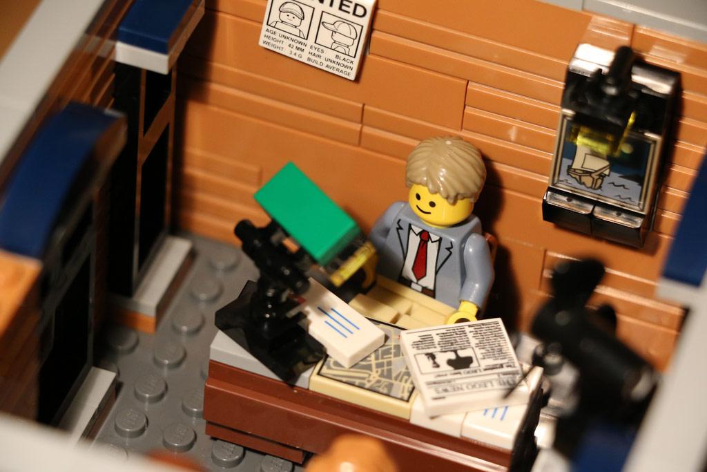 Lego Detektivbüro: Ace Brickman bei der Arbeit | © Andres Lehmann