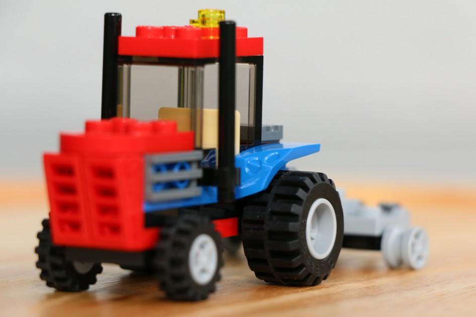 lego-creator-set-30284-traktor-seite-polybag-2015-andres-lehmann