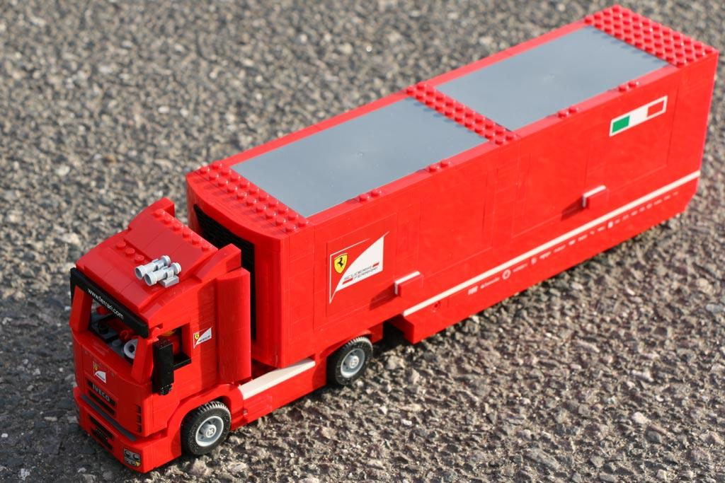 Draufsicht auf den Ferrari-Truck | © Andres Lehmann