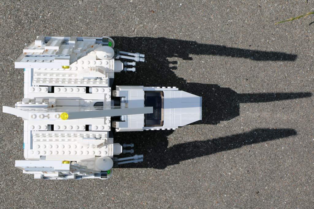 Das Shuttle wirft seinen Schatten voraus... | © Andres Lehmann