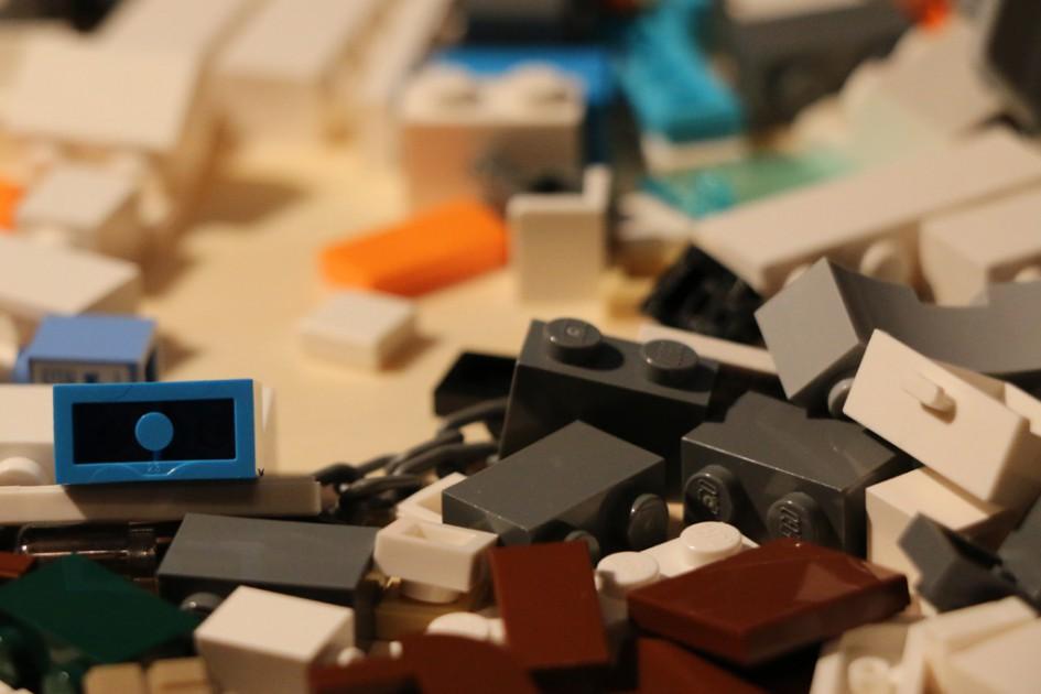 Pick a Brick! | © Andres Lehmann