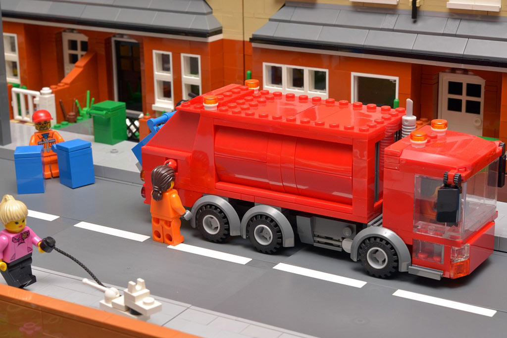 The bin lorry does the rounds emptying blue wheelie bins. The vehicle is a modified version of LEGO's one from a few years ago. | © Huw Millington