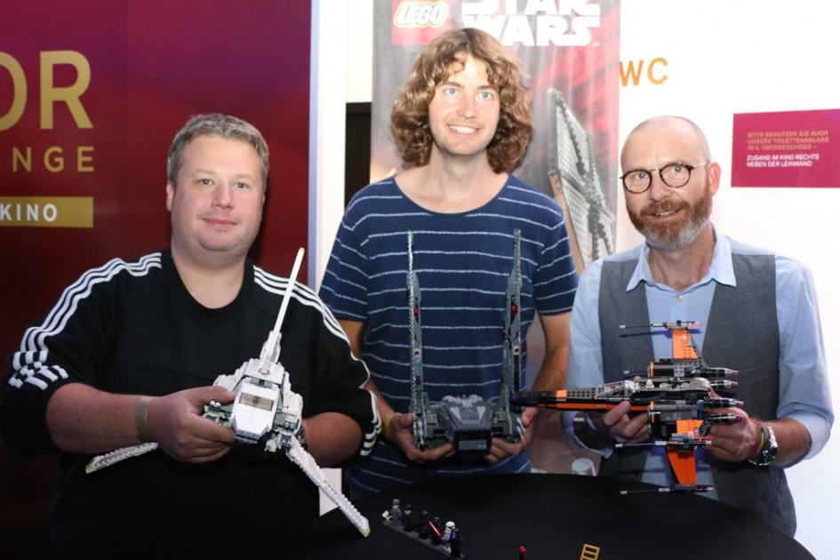 Rechts im Bild: Lego Star Wars Designer Jens Kronvold Frederiksen | © n.a.