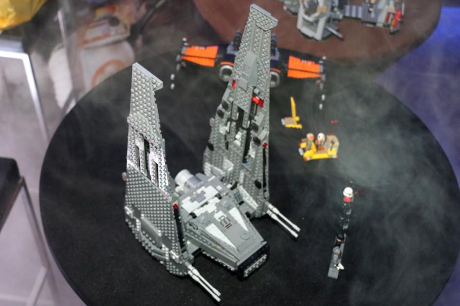 Draufsicht: LEGO Star Wars Kylo Ren's Command Shuttle | © Andres Lehmann