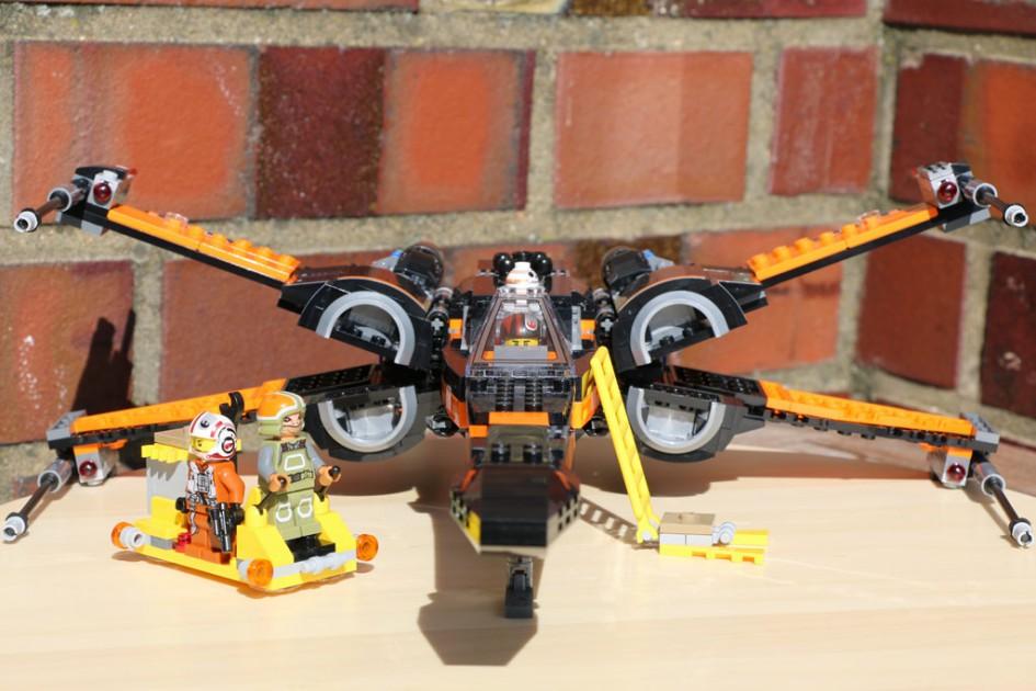 X-Wing im sonnigen Glanze | © Andres Lehmann