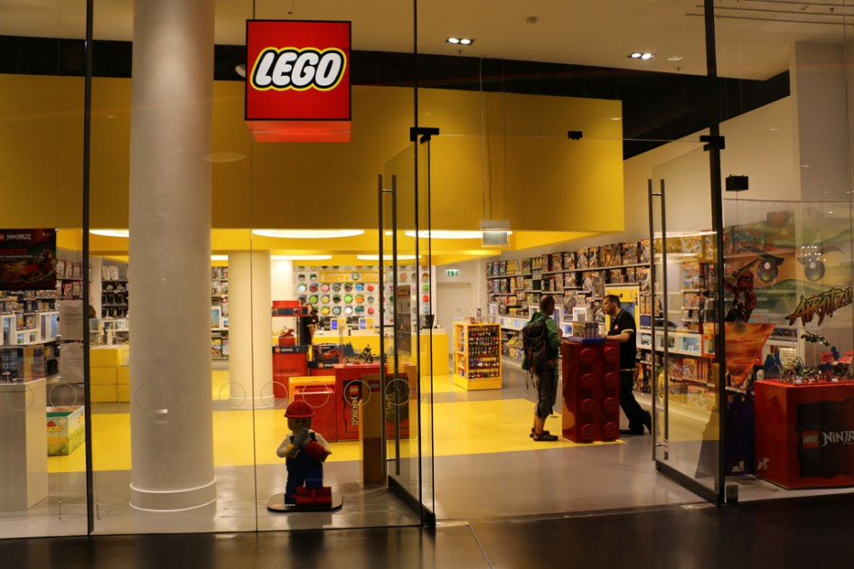 Hereinspaziert: Lego Store in Frankfurt | © Andres Lehmann