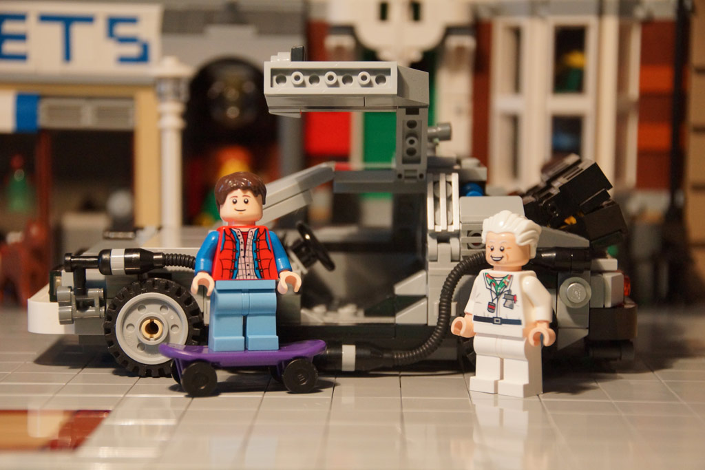 Marty McFly und Doc Brown vorm DeLorean | © Andres Lehmann