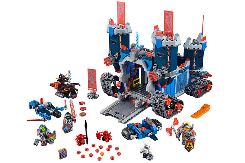 Ein Schloss auf Ketten: Nexo Knights macht es möglich | © LEGO Group