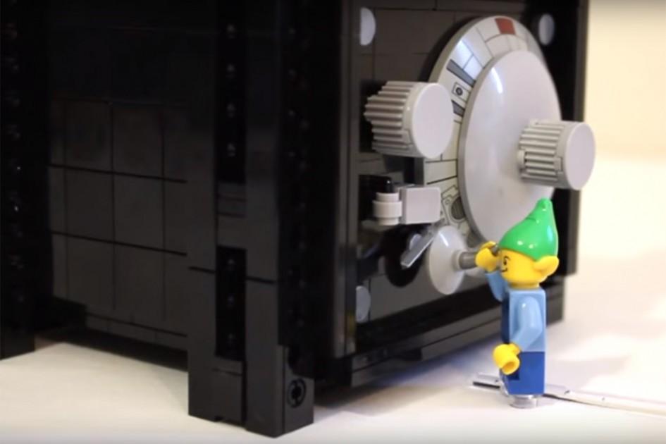 So, wie lautet denn nun der Code? | © JK Brickworks/ YouTube Screenshot
