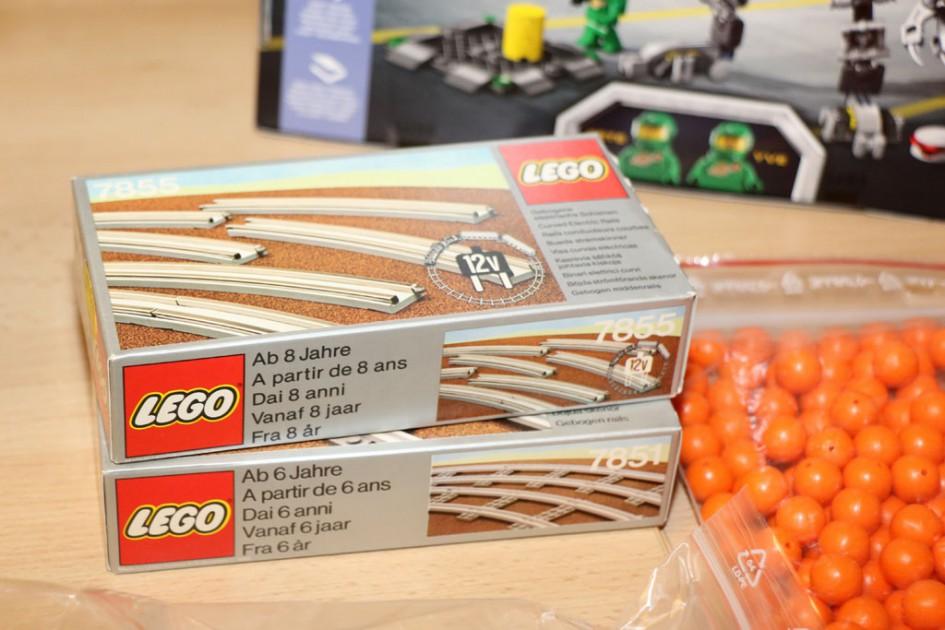 Lego 12 Volt rails: Original package, closed | © Andres Lehmann