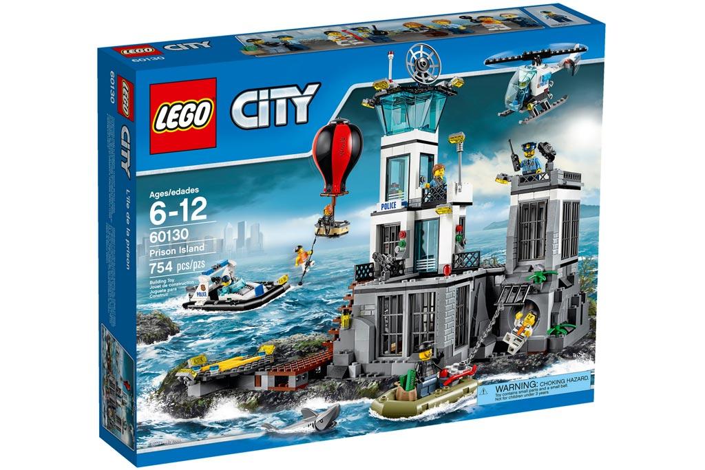 Gut was los auf, über und bei der Gefängnisinsel   © LEGO Group