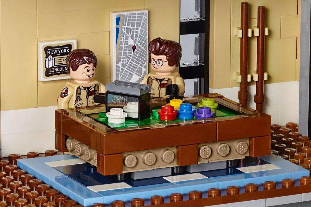 Na, wie wäre es mit einer Runde Billard? | © LEGO