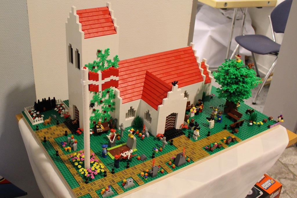 Auch diese dänische Kirche haben Anja und Jan nach Borken mitgebracht. | © Gábor Horváth