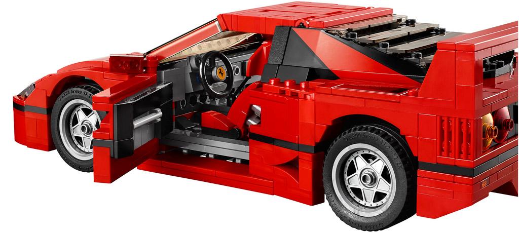 Einsteigen, bitte! | © LEGO Group