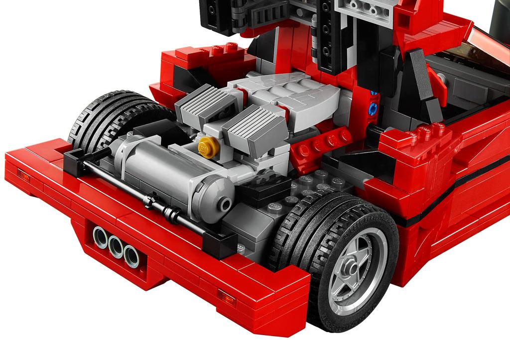 V8 Motor im Ferrari F40 | © LEGO Group