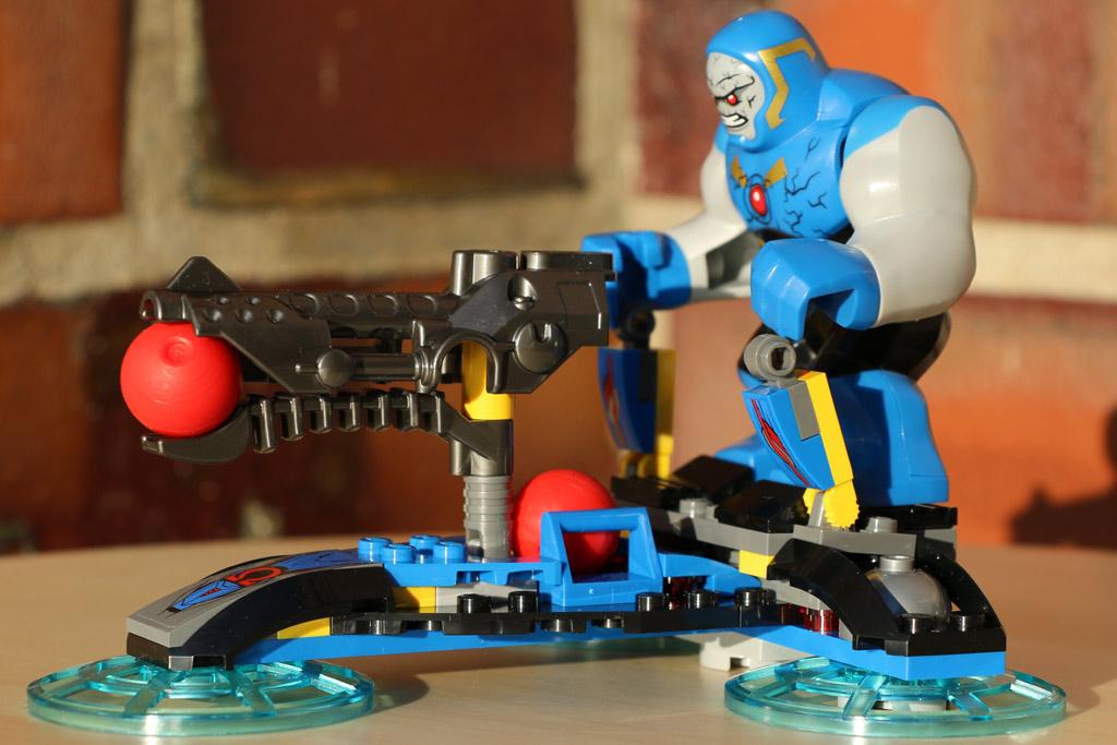 Der Hover Destroyer von Darkseid   © Andres Lehmann
