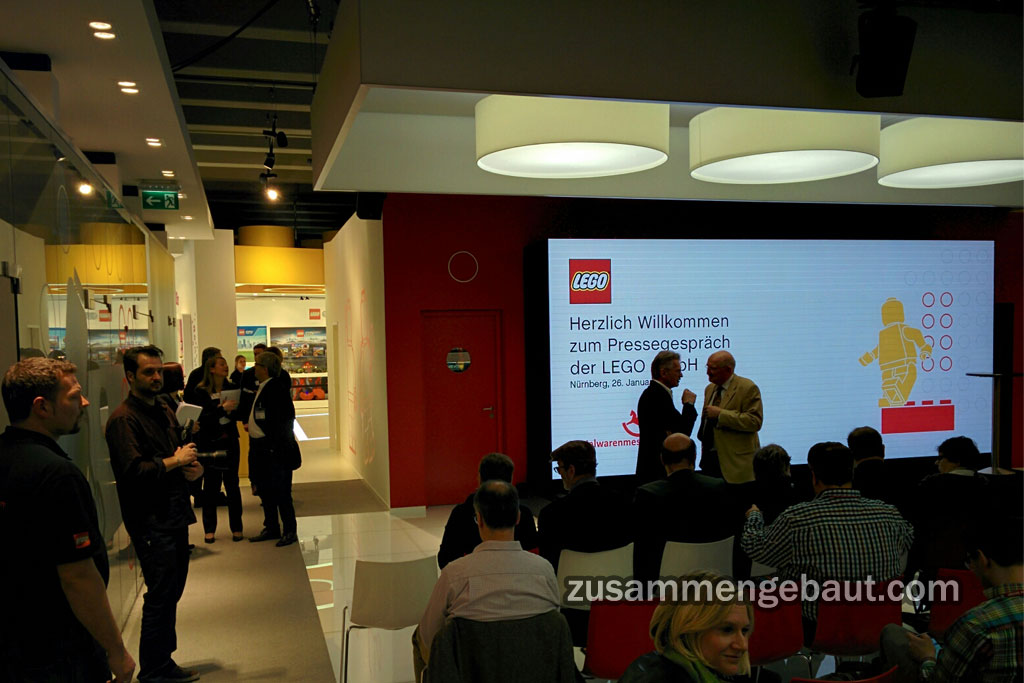 Press conference starts in a few moments    © Andres Lehmann / zusammengebaut.com