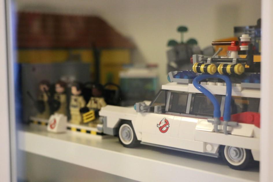 Ikea Vitrinentür lego modelle im ikea billy regal mit vitrinentüren im test passt