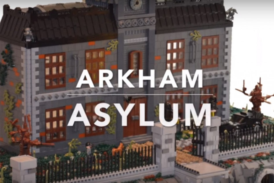 Welch Zusammenkunft | © LEGO Arkham Asylum MOC, Brickvention/ Forgotten Days/ YouTube Screenshot
