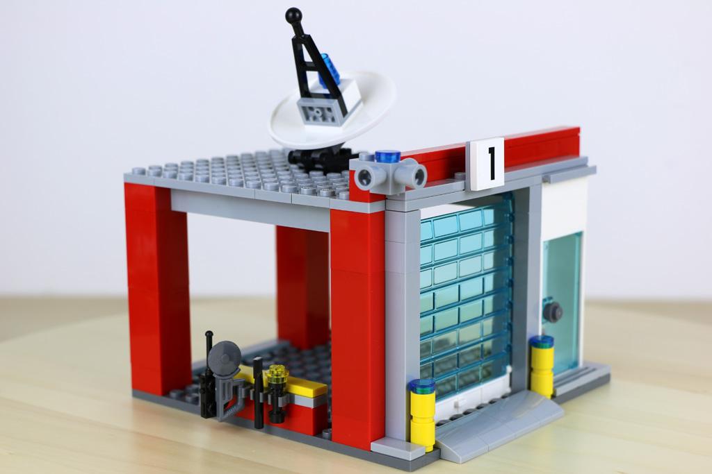 Lego City Garage : Lego city große feuerwehrstation lässt nichts anbrennen