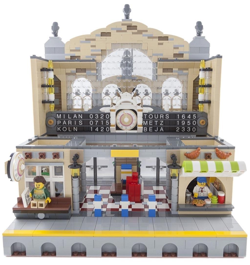 Warten auf den Zug | © LegoWolf/ LEGO Ideas