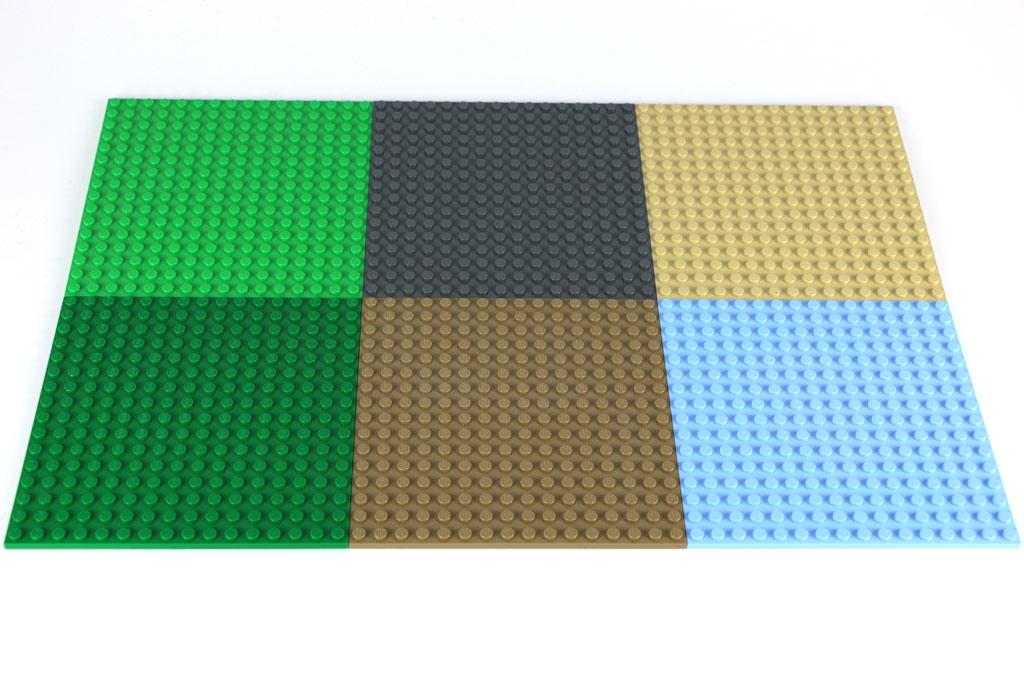 Die neueste Schrei: Platten mit 16 Noppen als Baugrundlage   © Andres Lehmann / zusammengebaut.com