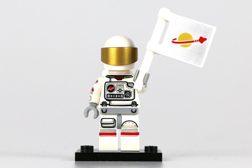 Astronaut mit Classic Space Flagge | © Andres Lehmann / zusammengebaut.com