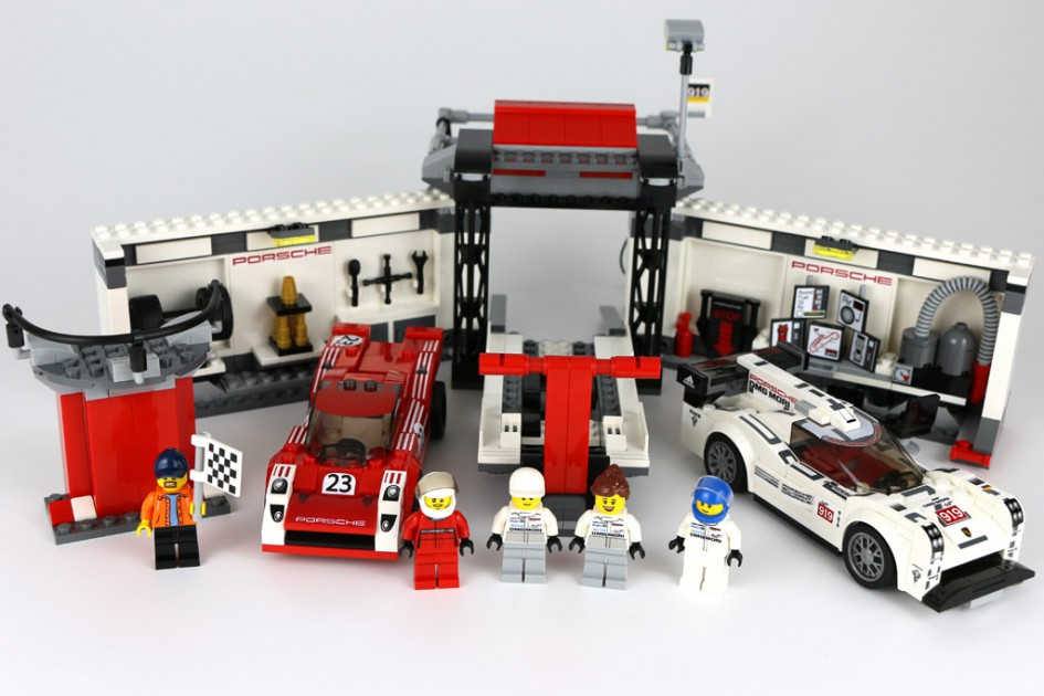 lego speed champions porsche 919 hybrid und 917k boxengasse review. Black Bedroom Furniture Sets. Home Design Ideas