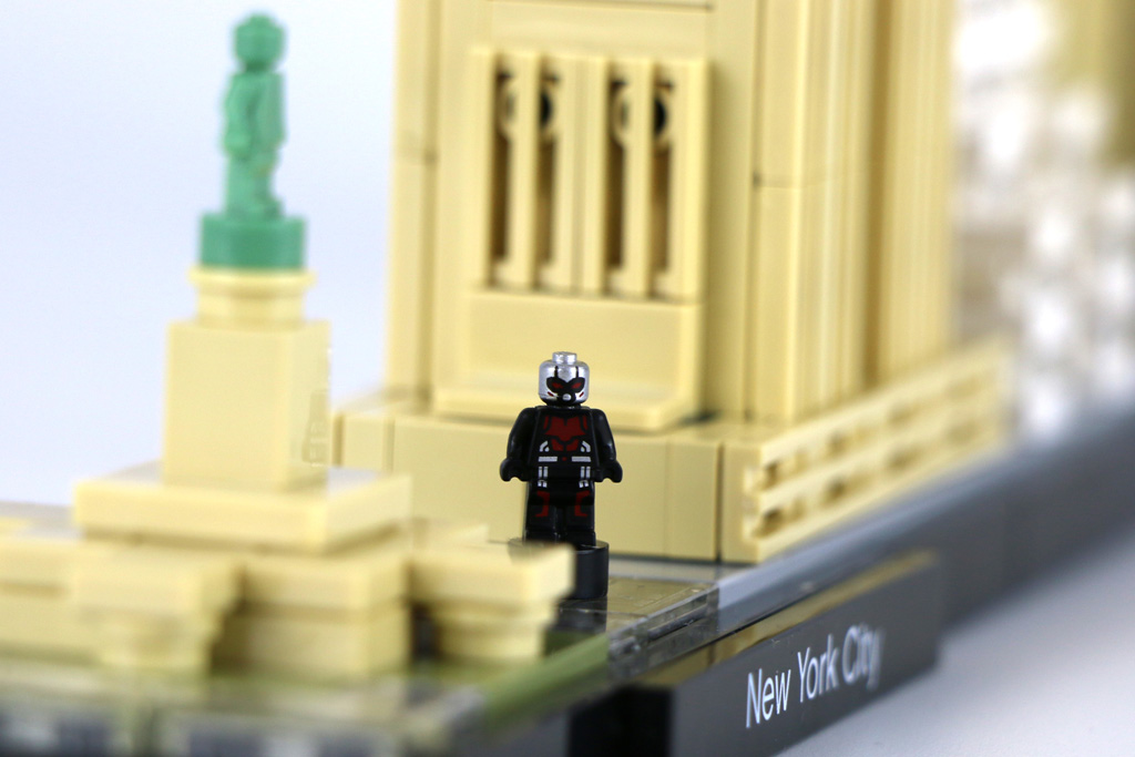 Lego super heroes ant man around the brick world for Duplo adventskalender