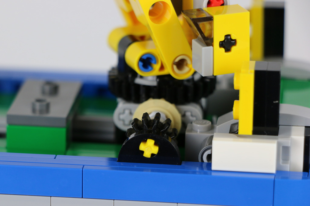 Den Kran in Bewegung setzen | © Andres Lehmann / zusammengebaut.com