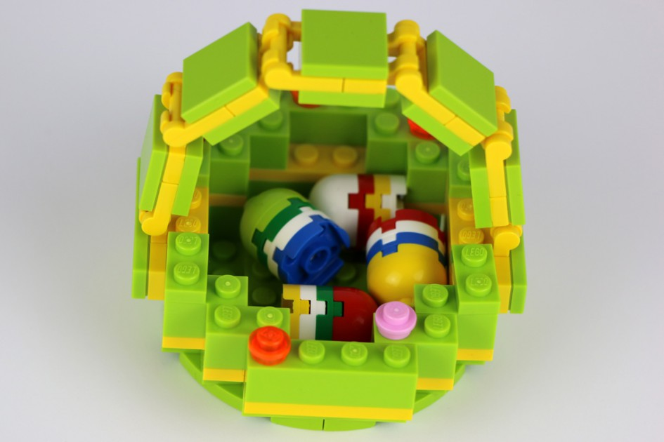 Lego Osterkorb | © Andres Lehmann / zusammengebaut.com