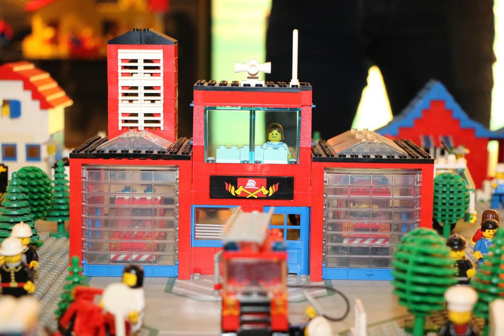 Lego Feuerwehr der 80er Jahre: Die habe ich! | © Andres Lehmann / zusammengebaut.com
