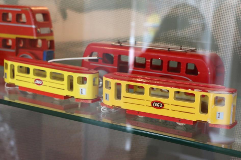Lego-Tram aus Holz | © Andres Lehmann / zusammengebaut.com