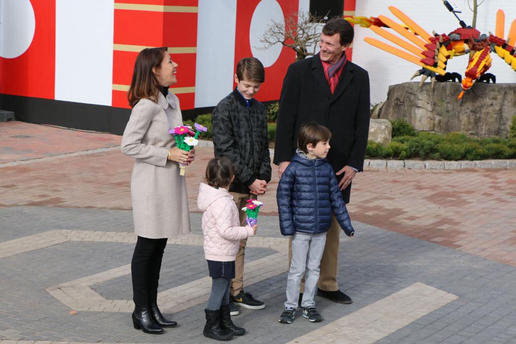 Prinzessin Marie, Prinz Joachim und ihre Kinder zu Gast im Legoland | © Andres Lehmann / zusammengebaut.com