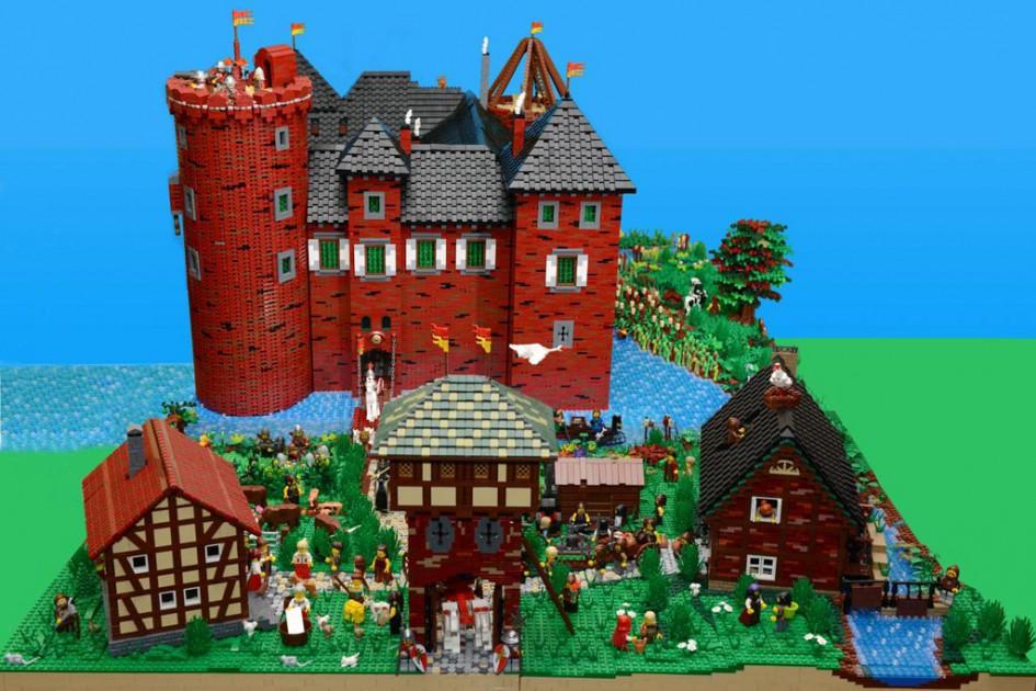 Invasion Minecraft Building