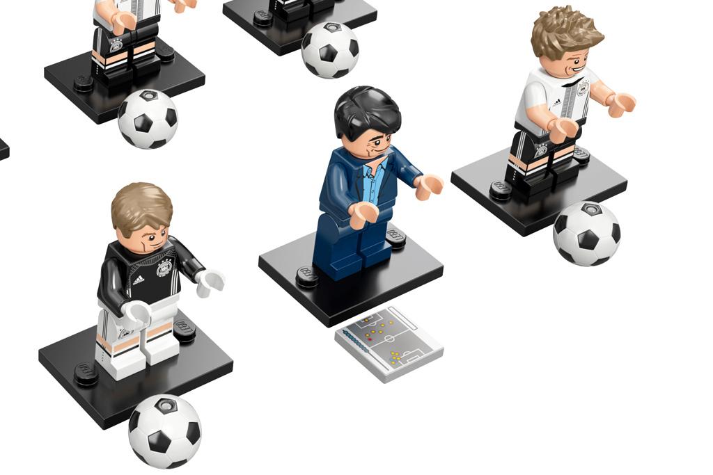 Torhüter, Coach und Spieler | © LEGO GmbH