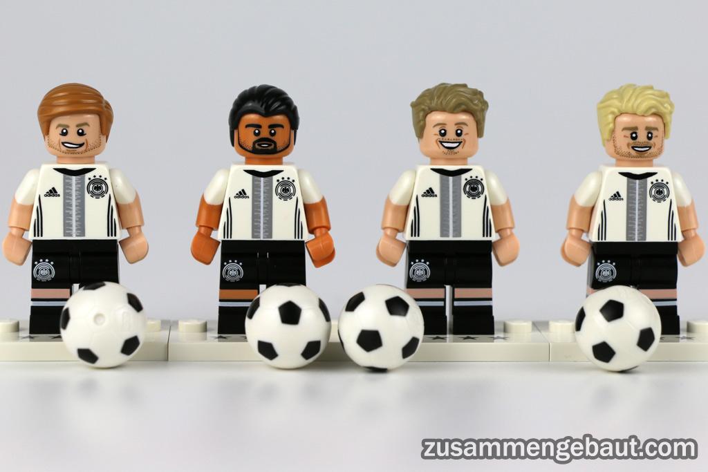 DFB-Kicker: Maro Reus, Sami Khedira, Max Kruse und André Schürrle | © Andres Lehmann / zusammengebaut.com