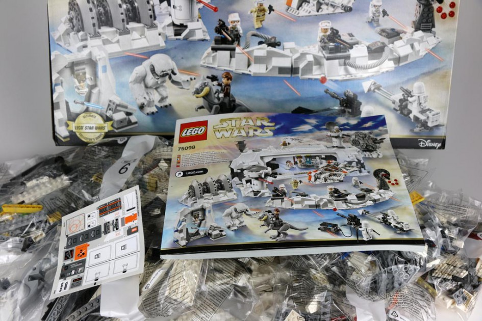 Lego Star Wars Aussault on Hoth: Box ausgepackt! | © Andres Lehmann / zusammengebaut.com