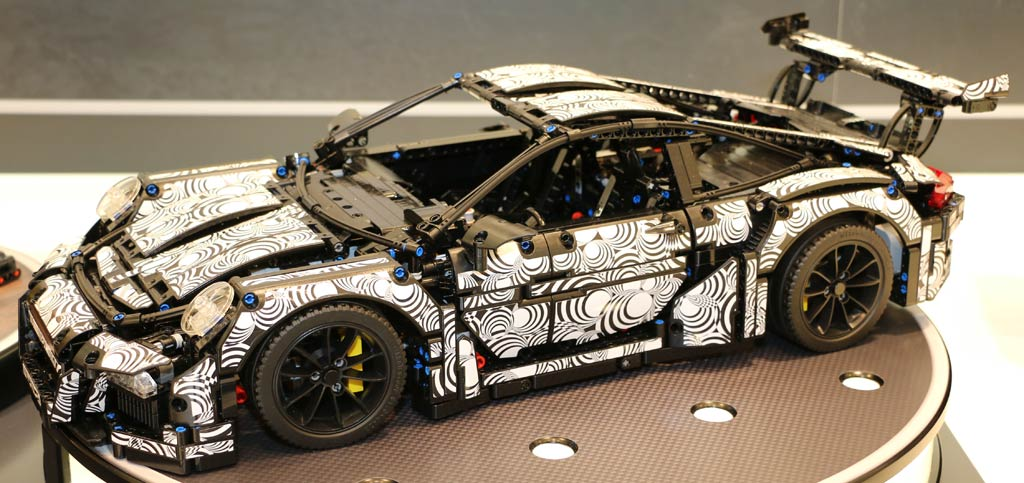 lego technic porsche 911 gt3 rs 42056 orange or camouflage the result zusammengebaut. Black Bedroom Furniture Sets. Home Design Ideas