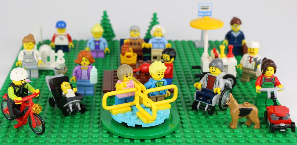 Das alles hier ist  beim Set Lego City Parkbewohner enthalten, nur nicht die grüne Bodenplatte. | © Andres Lehmann / zusammengebaut.com