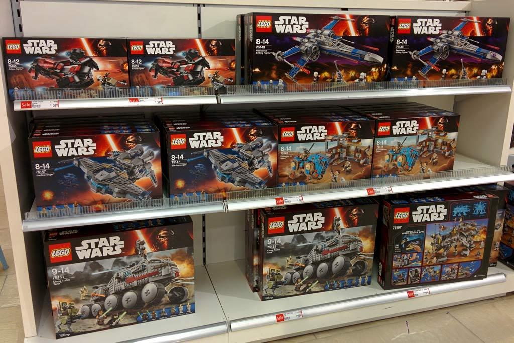 neue lego star wars sets bei kaufhof im angebot. Black Bedroom Furniture Sets. Home Design Ideas