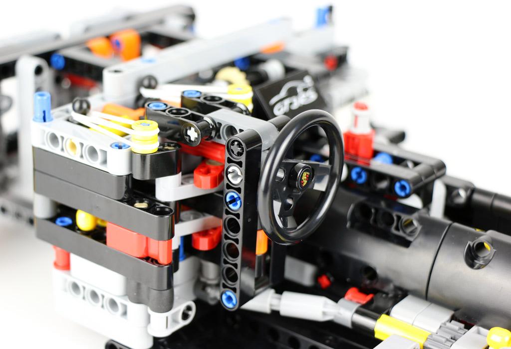 Das Lenkrad sitzt. | © Andres Lehmann / zusammengebaut.com