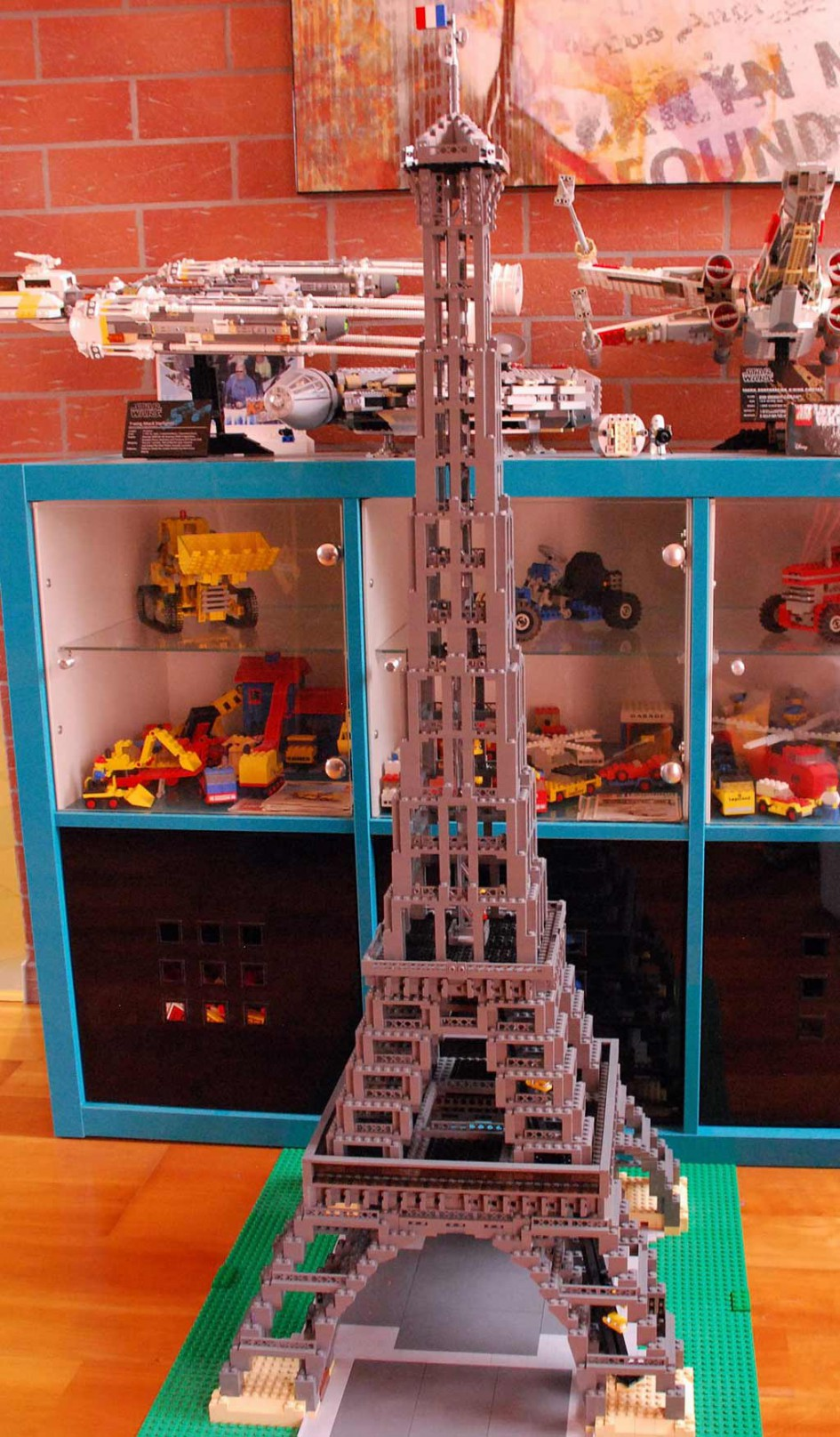 Lego Eiffel Tower (10181) | © Wolfgang Beuster