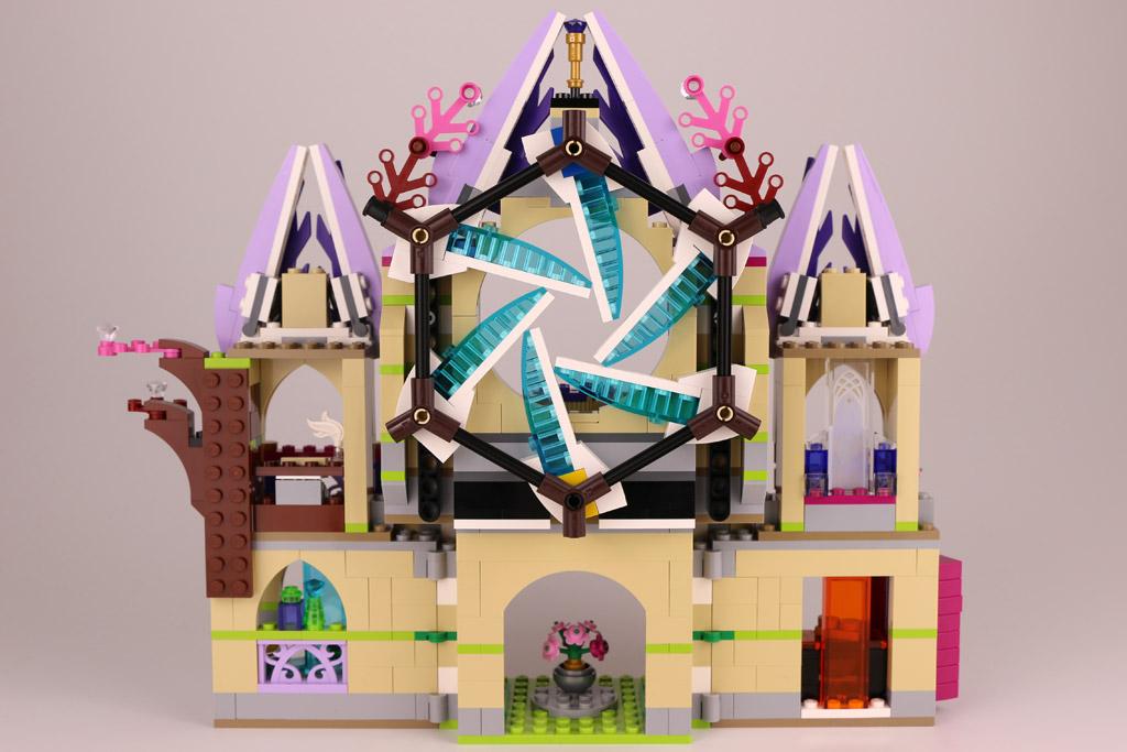 Auch ein Schloss hat eine Rückseite. | © zusammengebaut.com