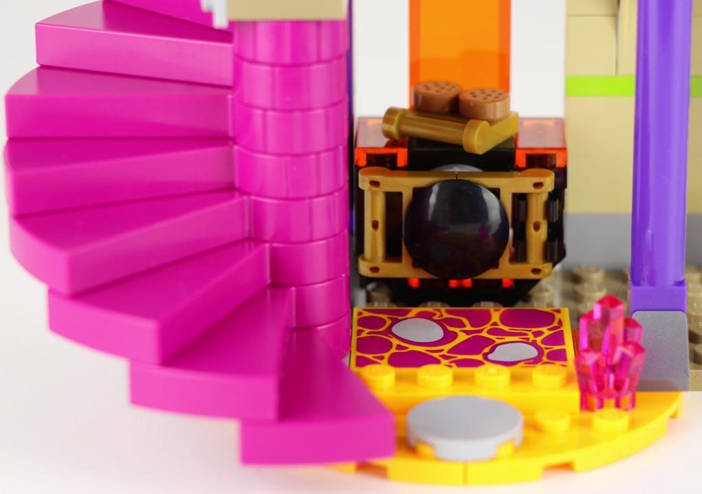 Kleine Küche und Treppe | © zusammengebaut.com
